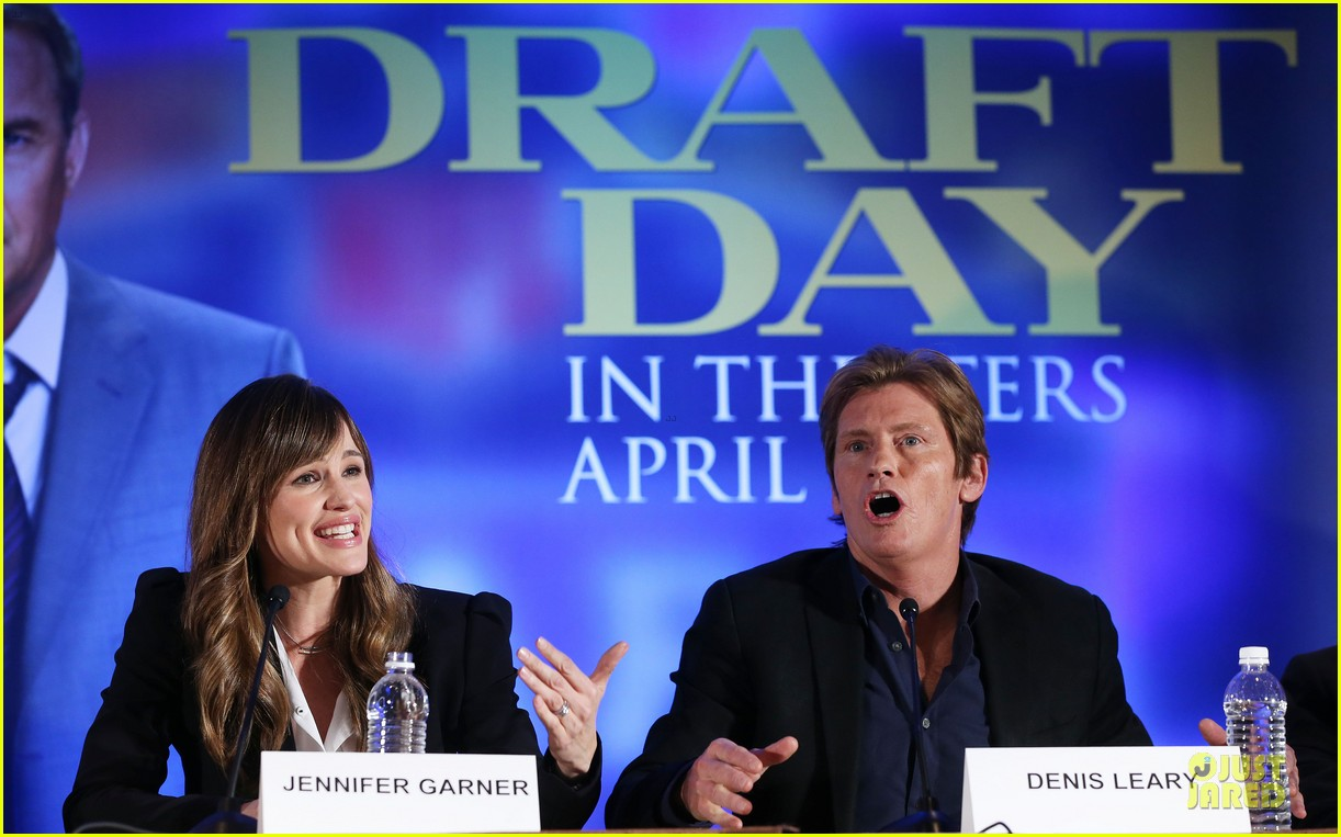 jennifer garner kevin costner draft day super bowl commercial watch now 163045223