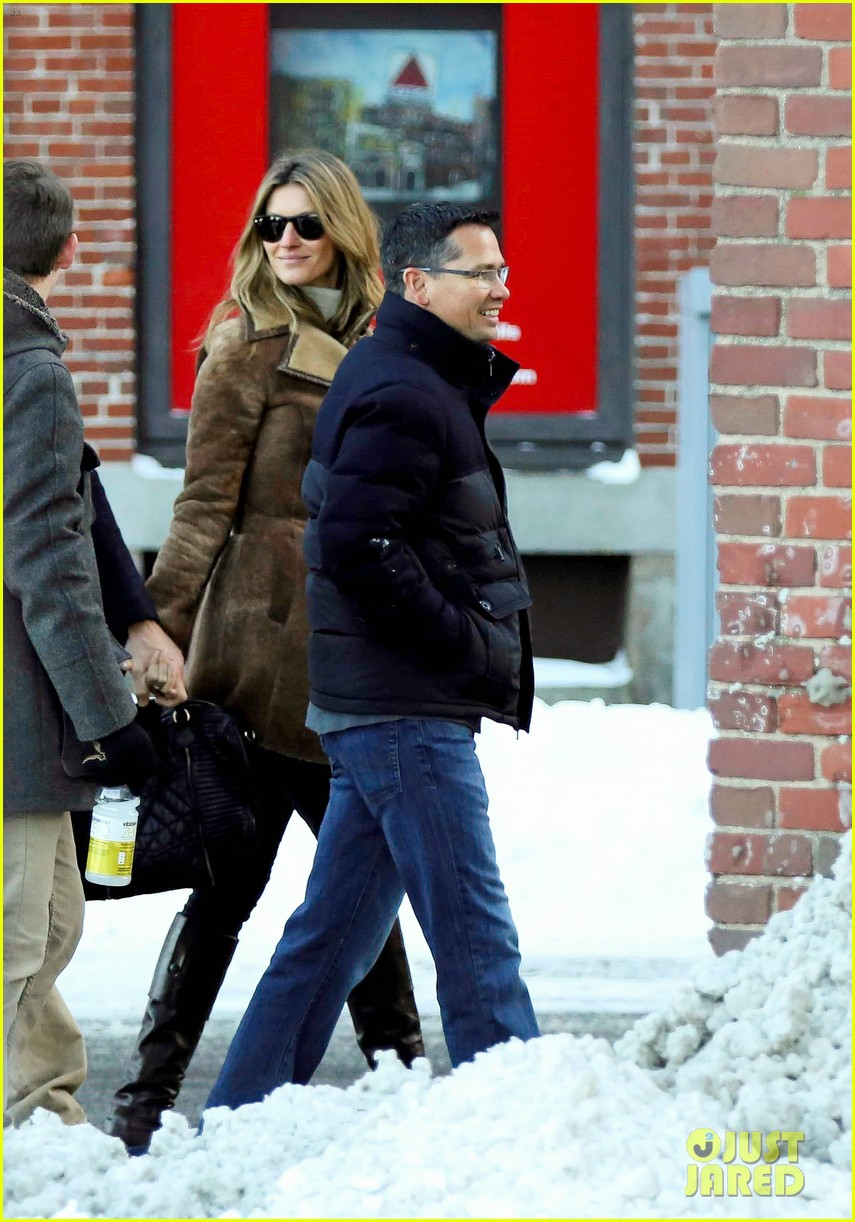 gisele bundchen tom brady boston fun with benjamin 043023033