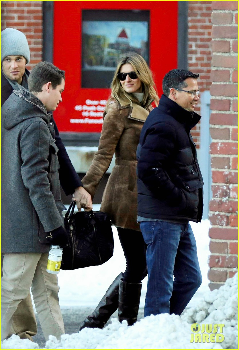 gisele bundchen tom brady boston fun with benjamin 093023038