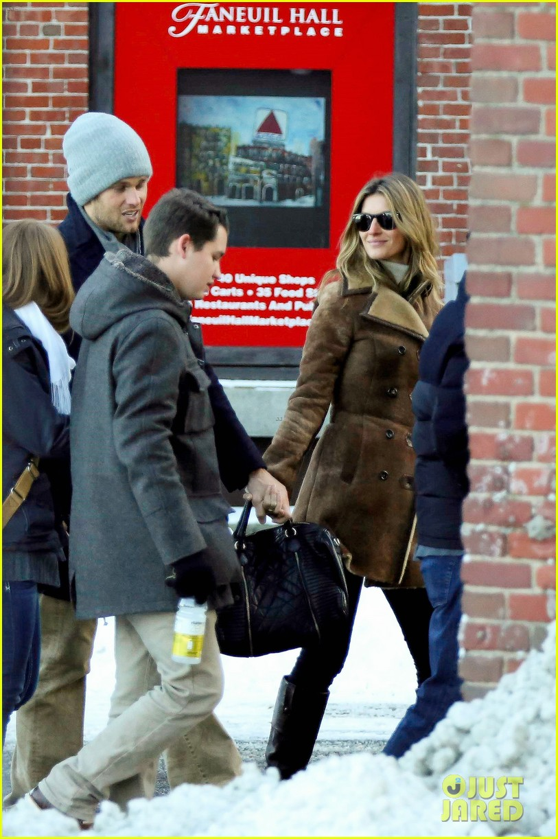 gisele bundchen tom brady boston fun with benjamin 103023039