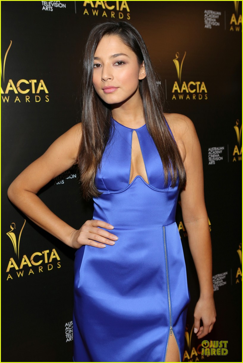 jessica gomes david o russell aacta awards 2014 023027725