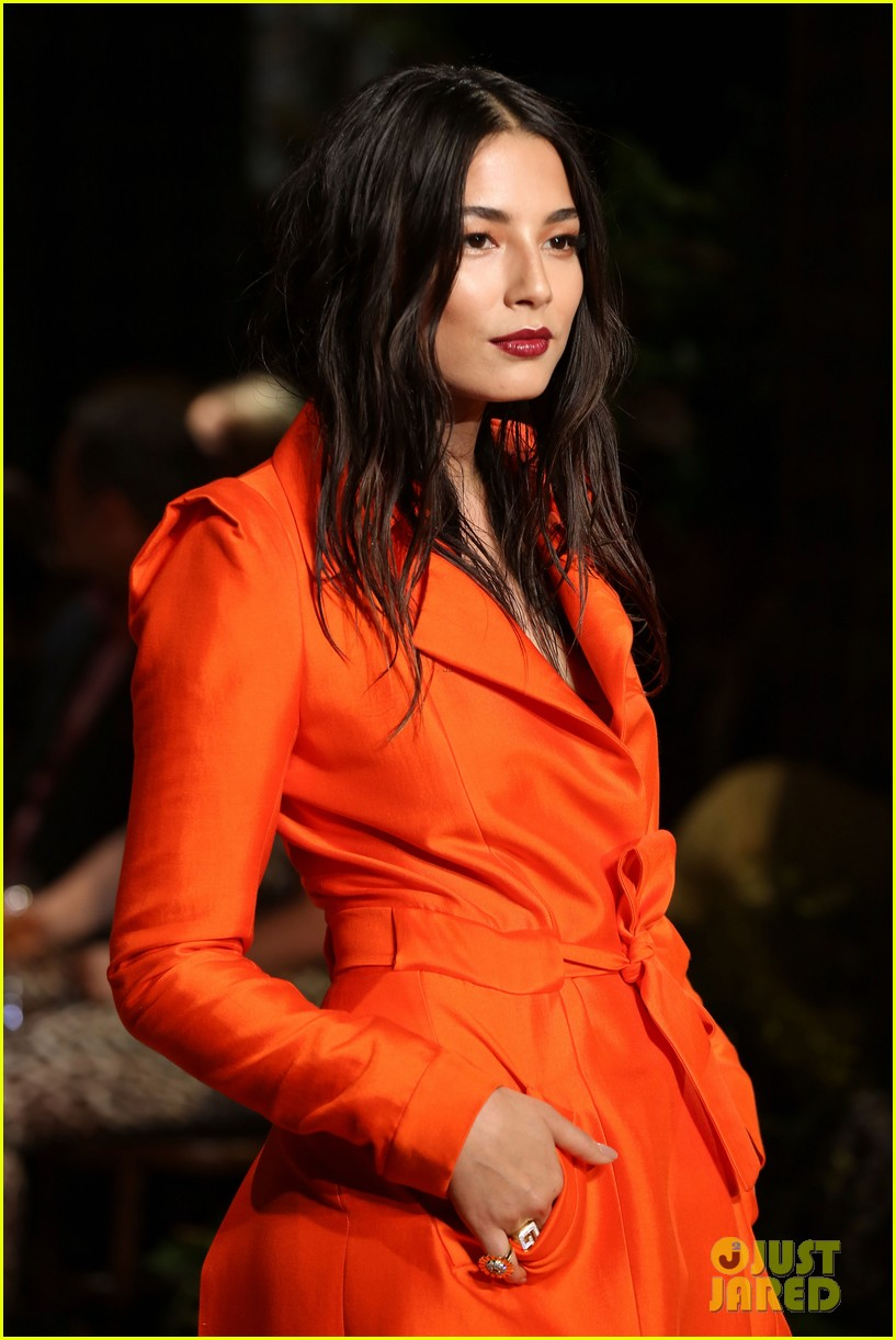 jessica gomes hits the runway for david jones collection launch 063044069