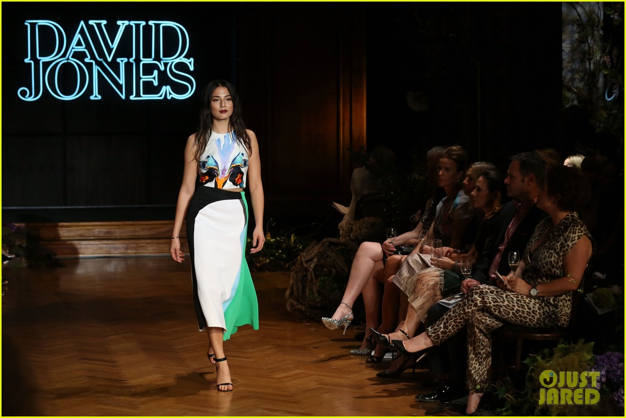 jessica gomes hits the runway for david jones collection launch 073044070