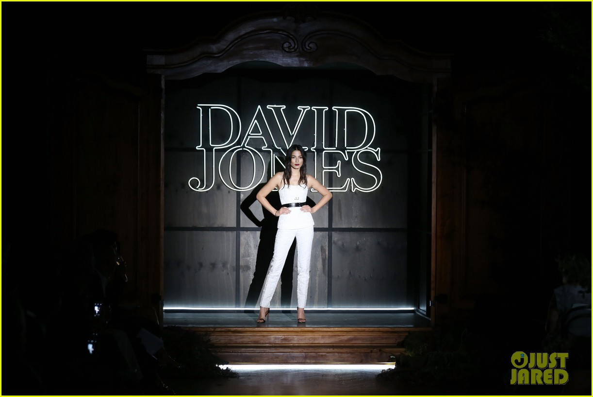 jessica gomes hits the runway for david jones collection launch 103044073