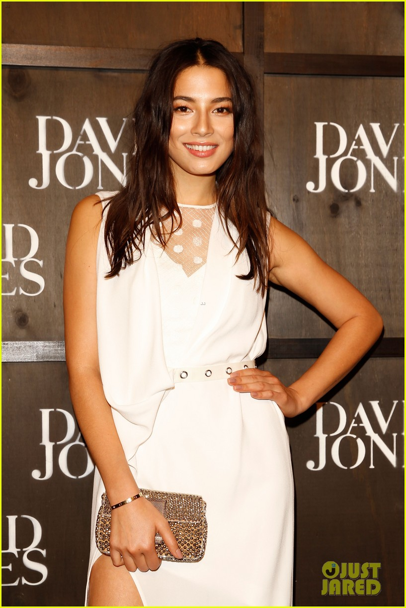 jessica gomes hits the runway for david jones collection launch 183044081