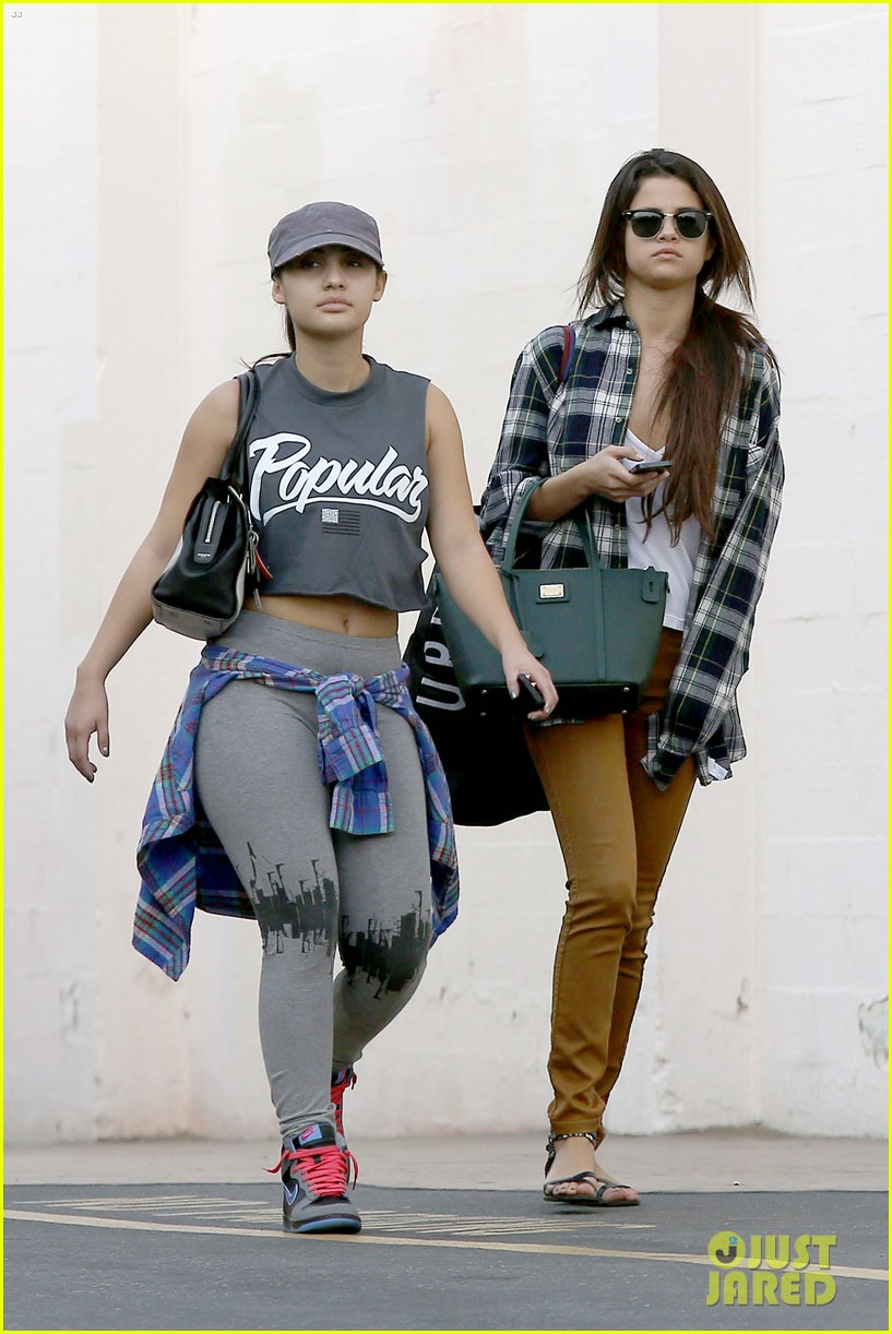 selena gomez shops before hanging out with justin bieber 013022429