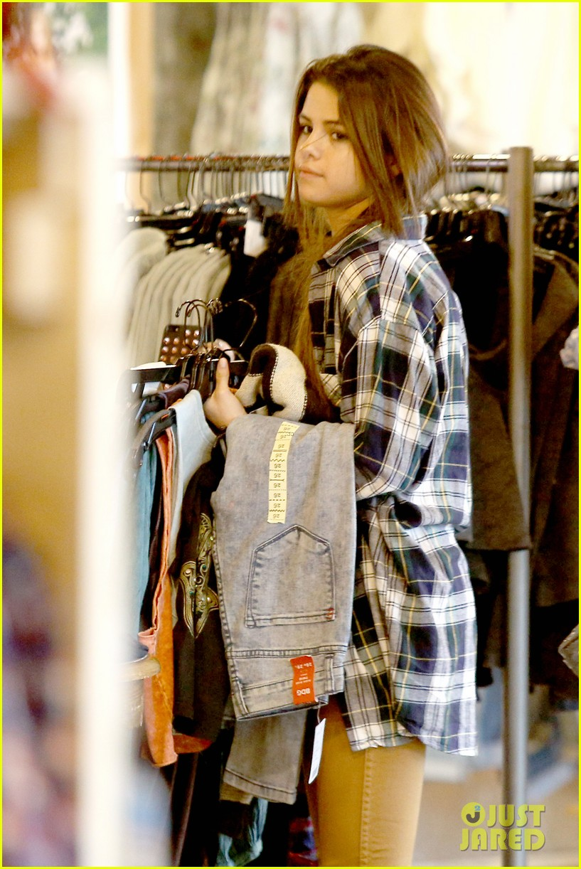 selena gomez shops before hanging out with justin bieber 023022430