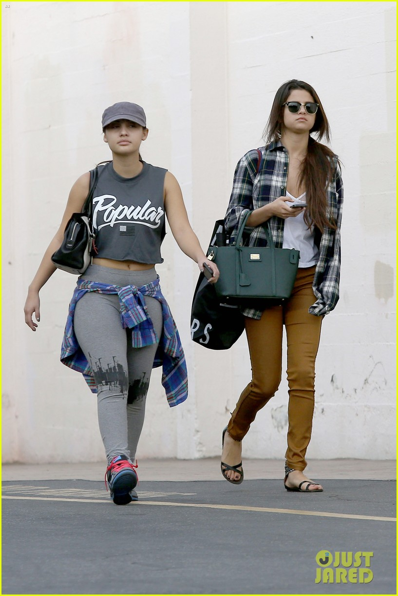 selena gomez shops before hanging out with justin bieber 043022432