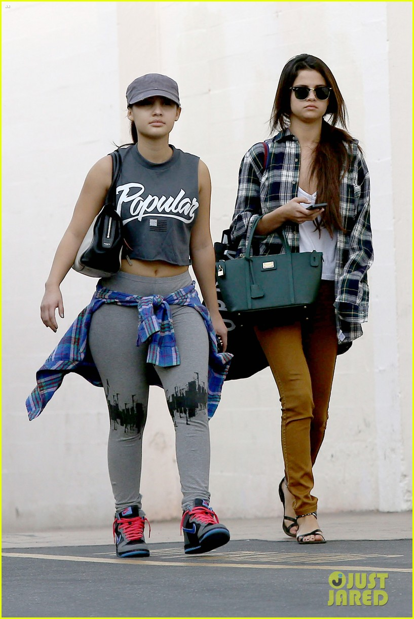 selena gomez shops before hanging out with justin bieber 093022437