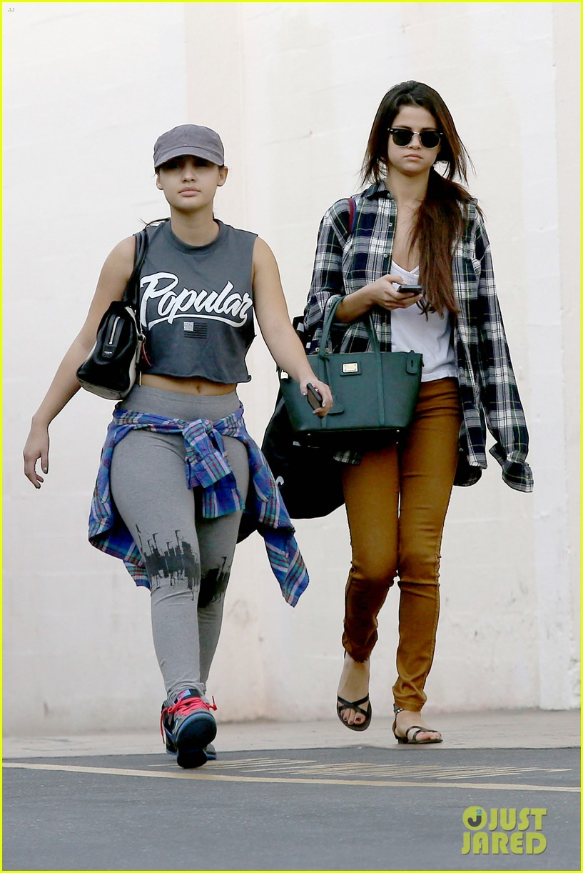 selena gomez shops before hanging out with justin bieber 193022447