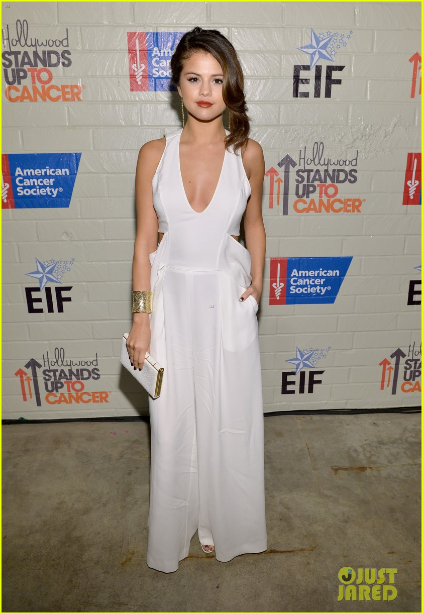 selena gomez lily collins help hollywood stand up to cancer 083043221