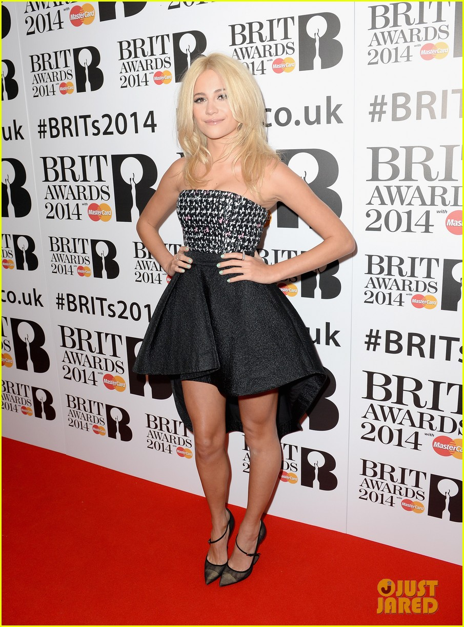 ellie goulding brit awards nominations ceremony 03