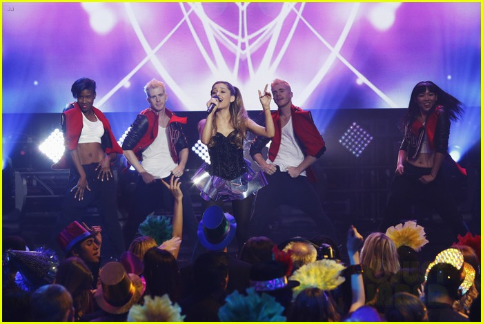 ariana grande dick clarks new years rockin eve performance video 073020831