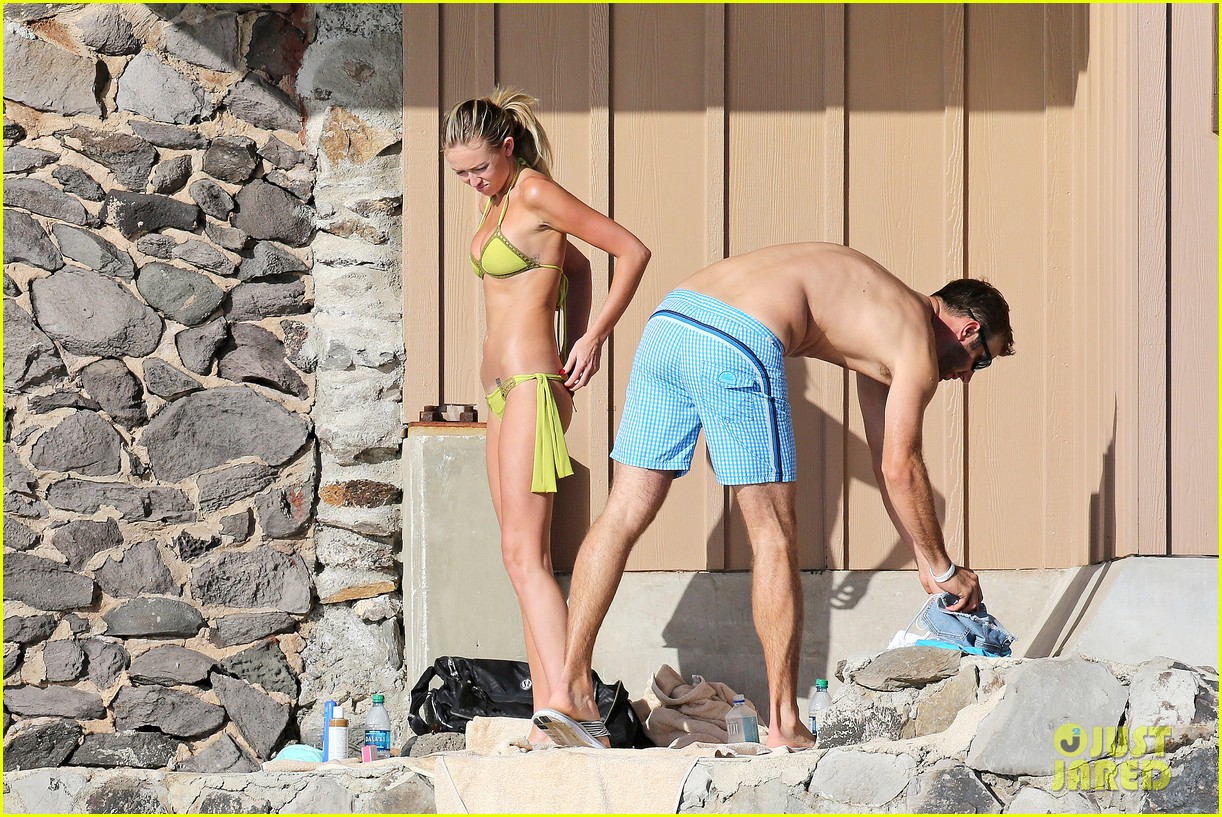 paulina gretzky golfer dustin johnson beach bods in hawaii 083023925