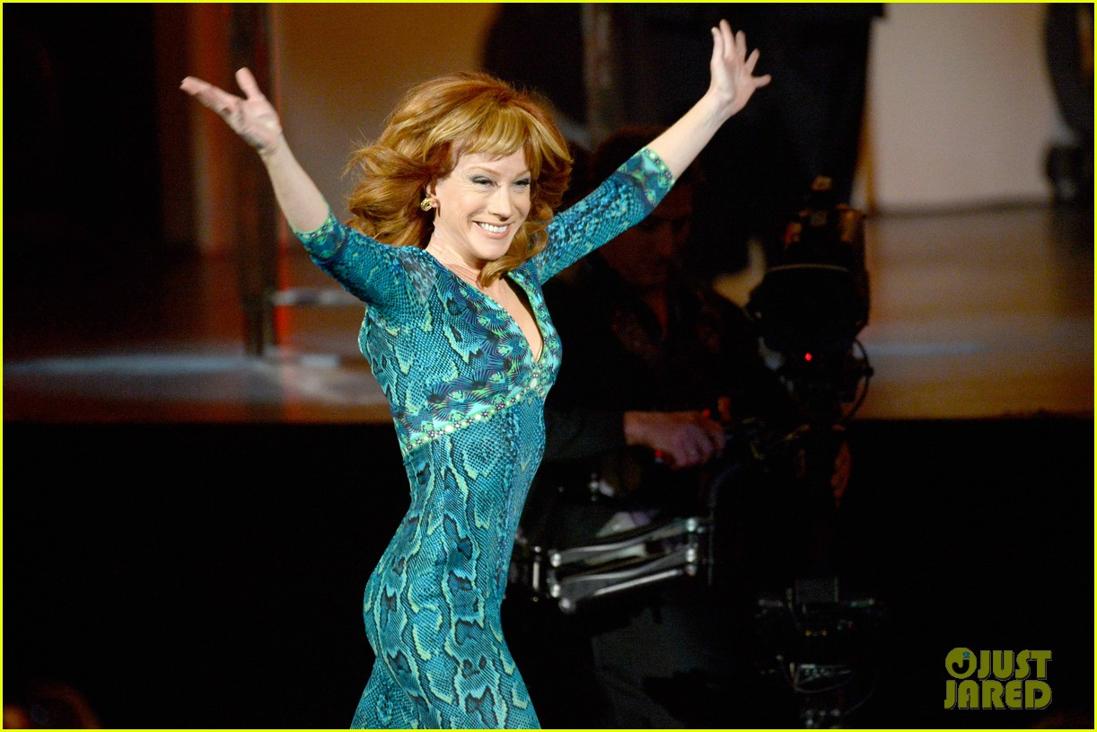 kathy griffin finally wins grammy for best comedy album 133041146