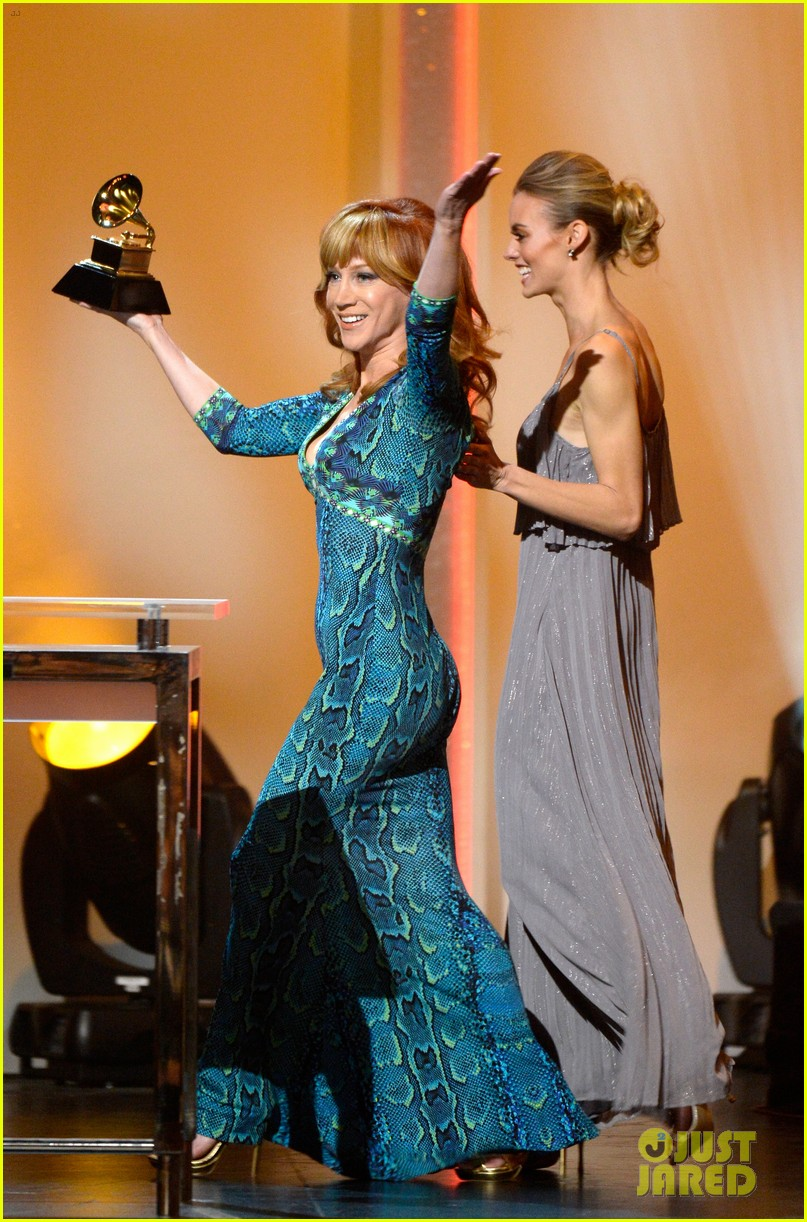 kathy griffin finally wins grammy for best comedy album 173041150