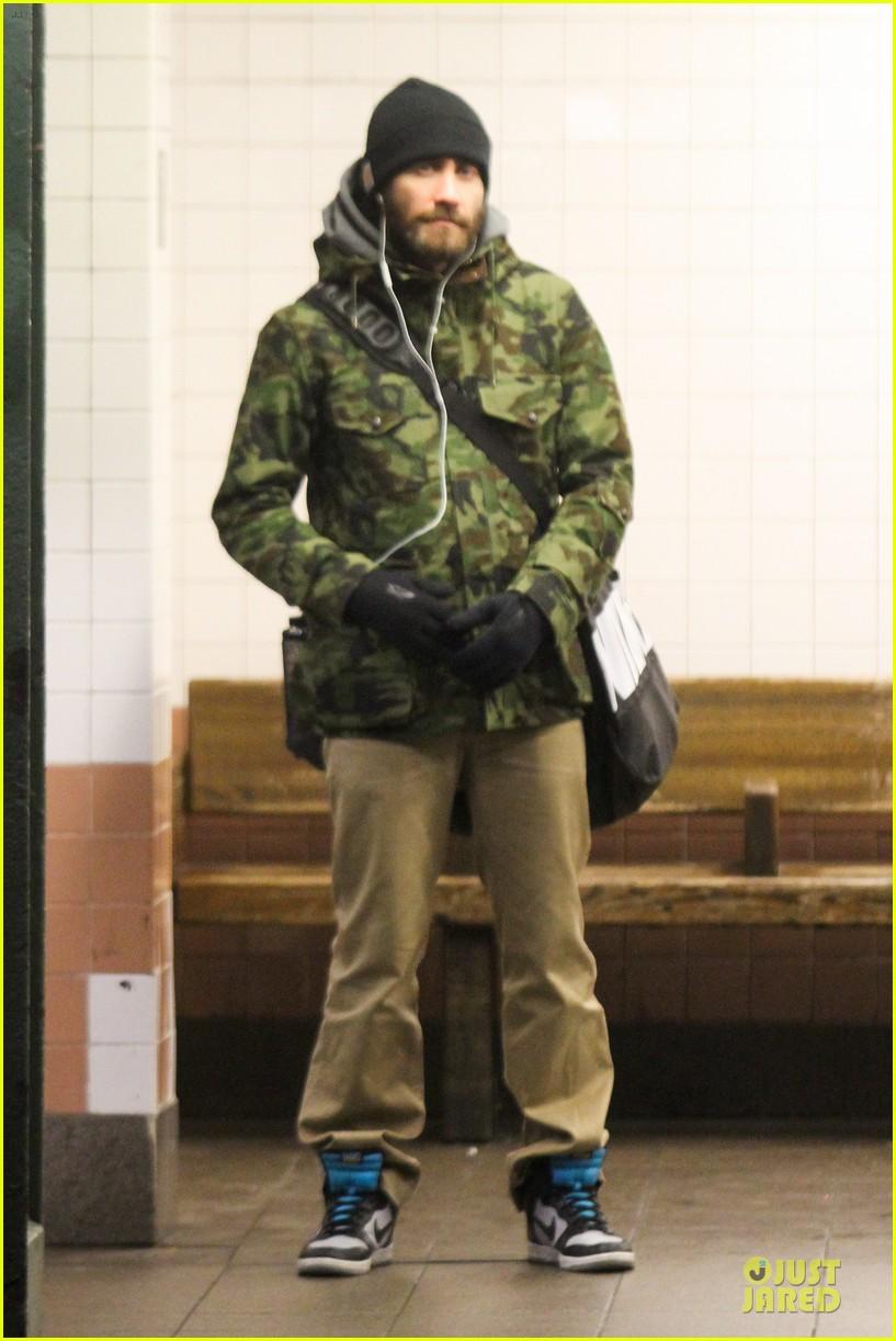 jake gyllenhaal steps out after rumored split with alyssa miller 033027403
