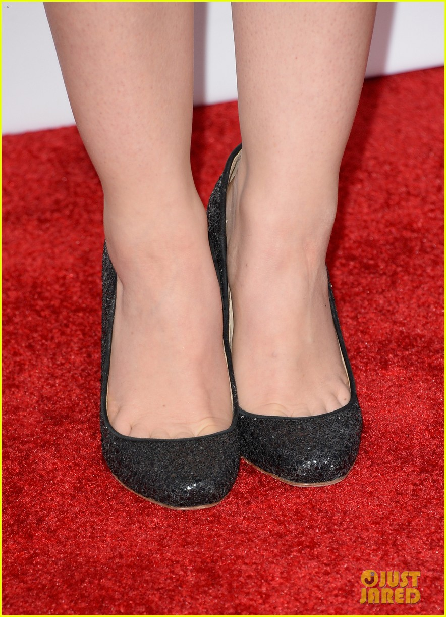 lucy hale peoples choice awards 2014 red carpet 033025470