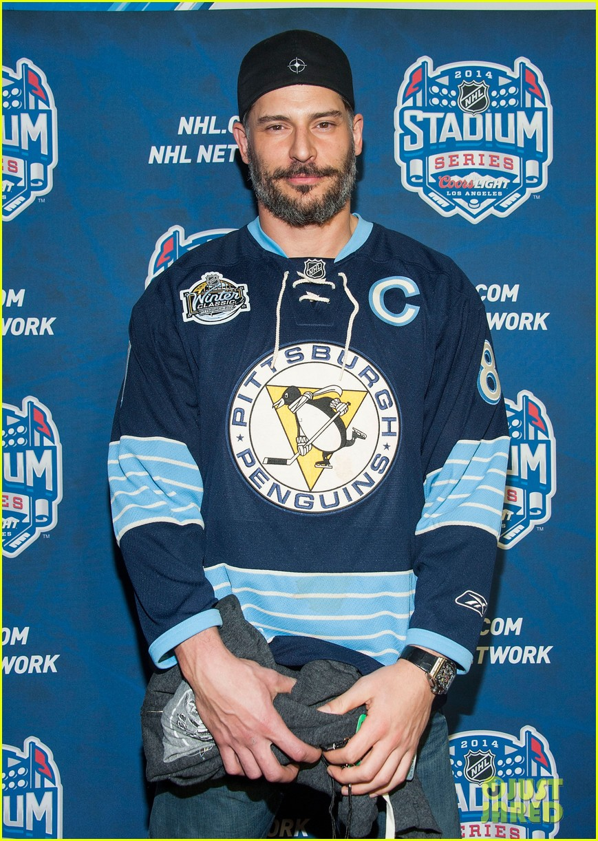 jon hamm joe manganiello nhl stadium series game 15