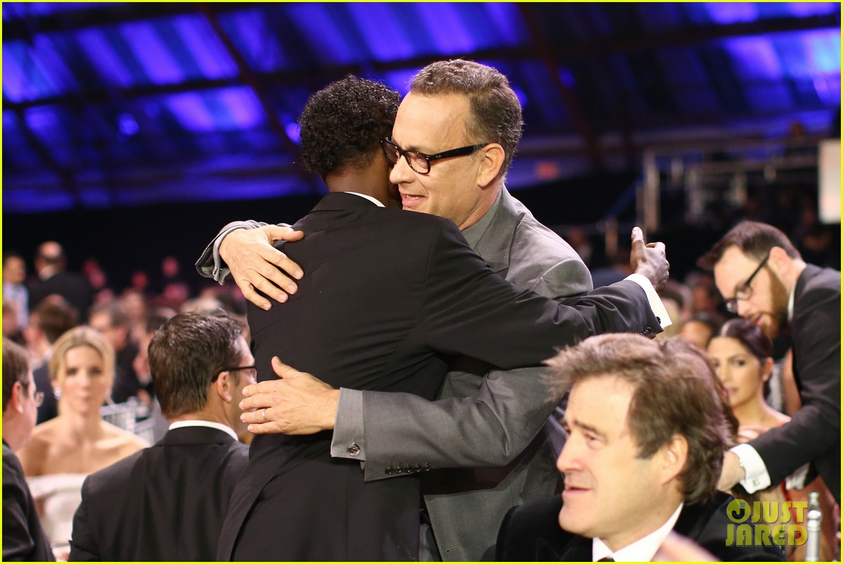 tom hanks barkhad abdi critics choice awardw 2014 16