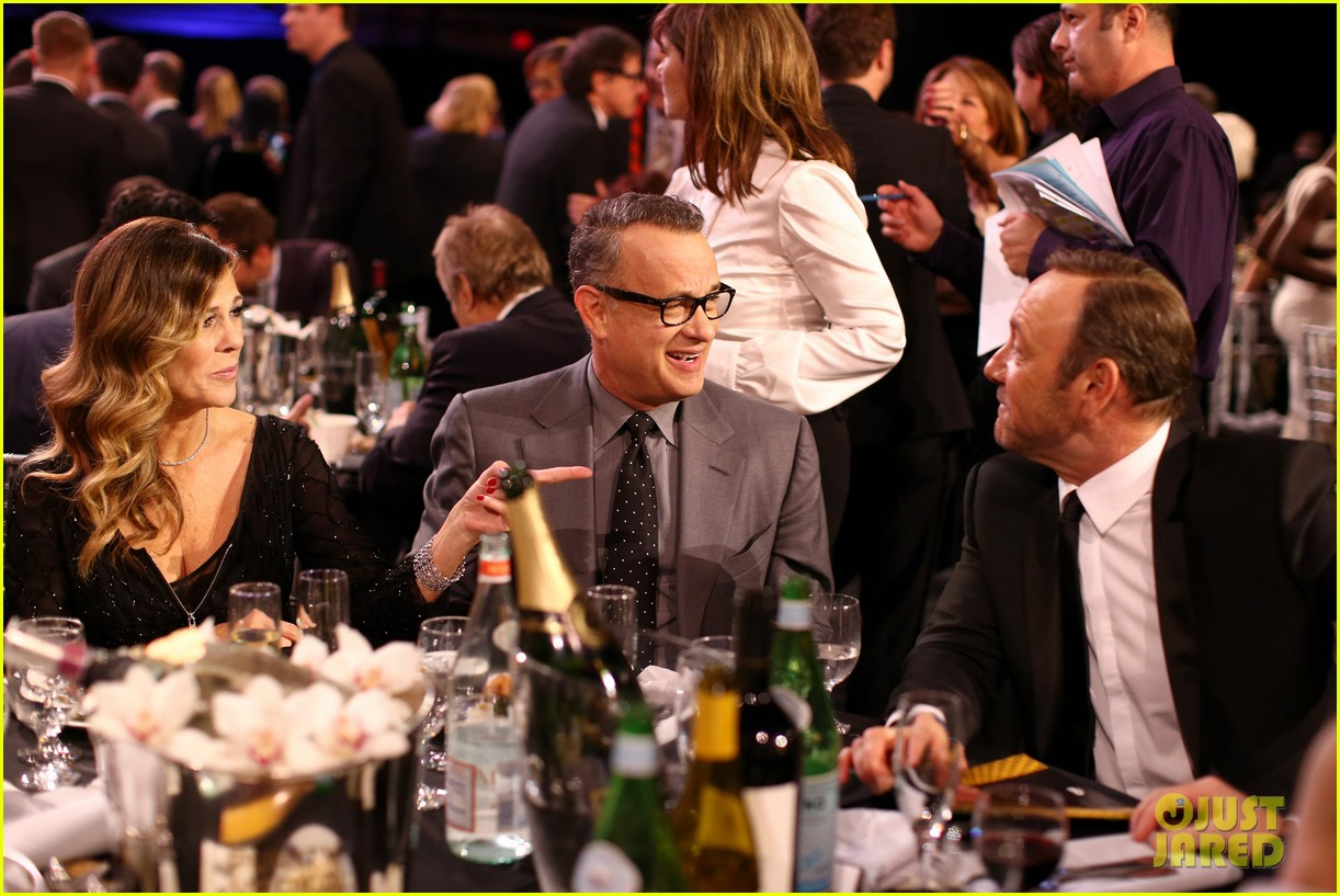 tom hanks barkhad abdi critics choice awardw 2014 193033063