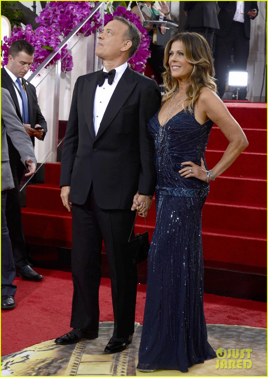 tom hanks rita wilson golden globes 2014 red carpet 033029615