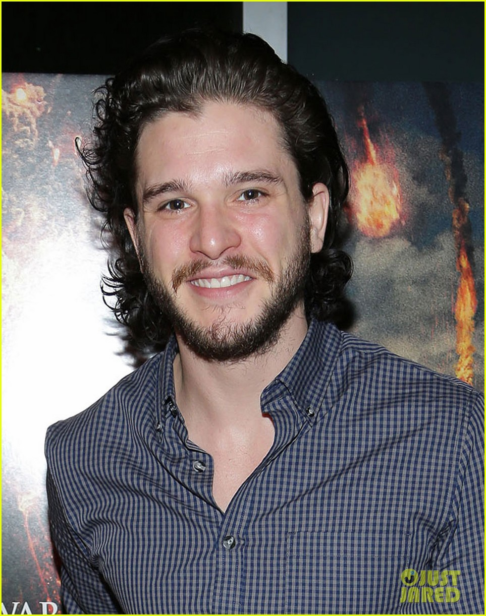 kit harington meets his fans at pompeii event in miami 023043936