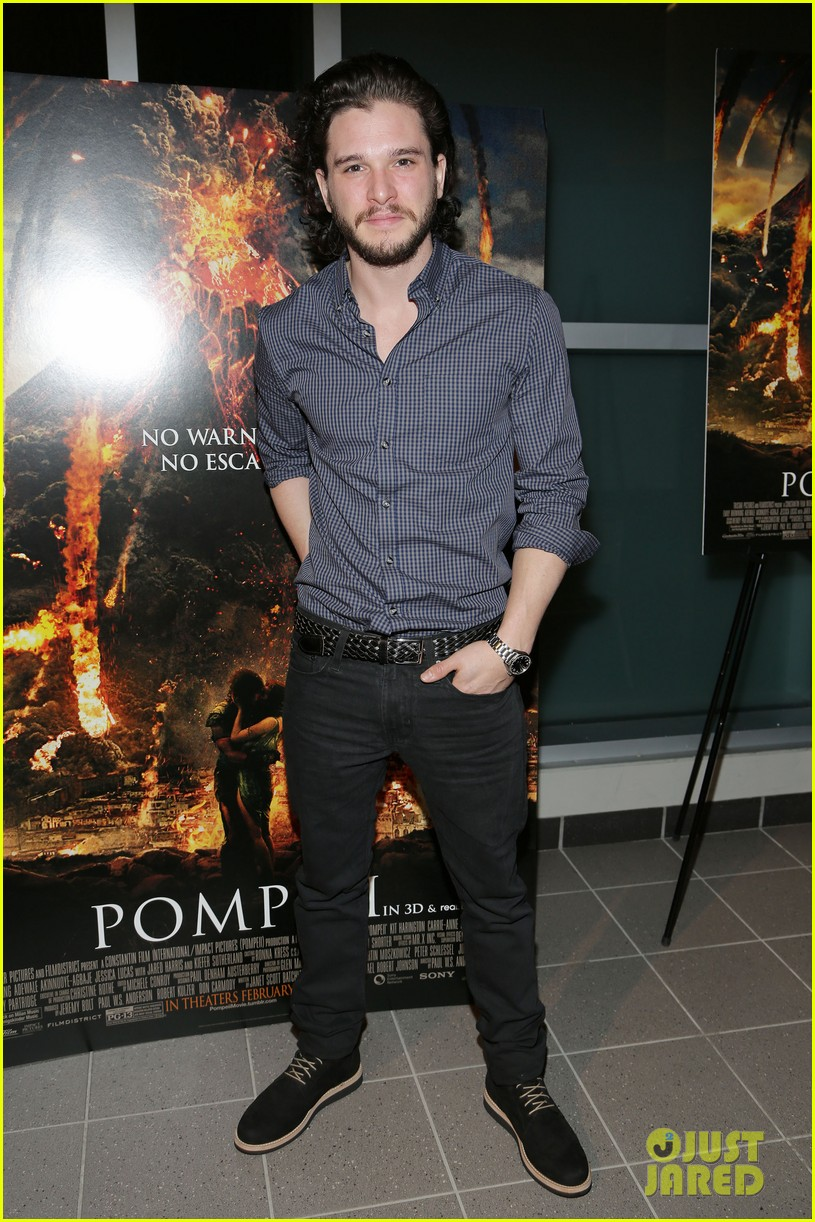 kit harington meets his fans at pompeii event in miami 033043937