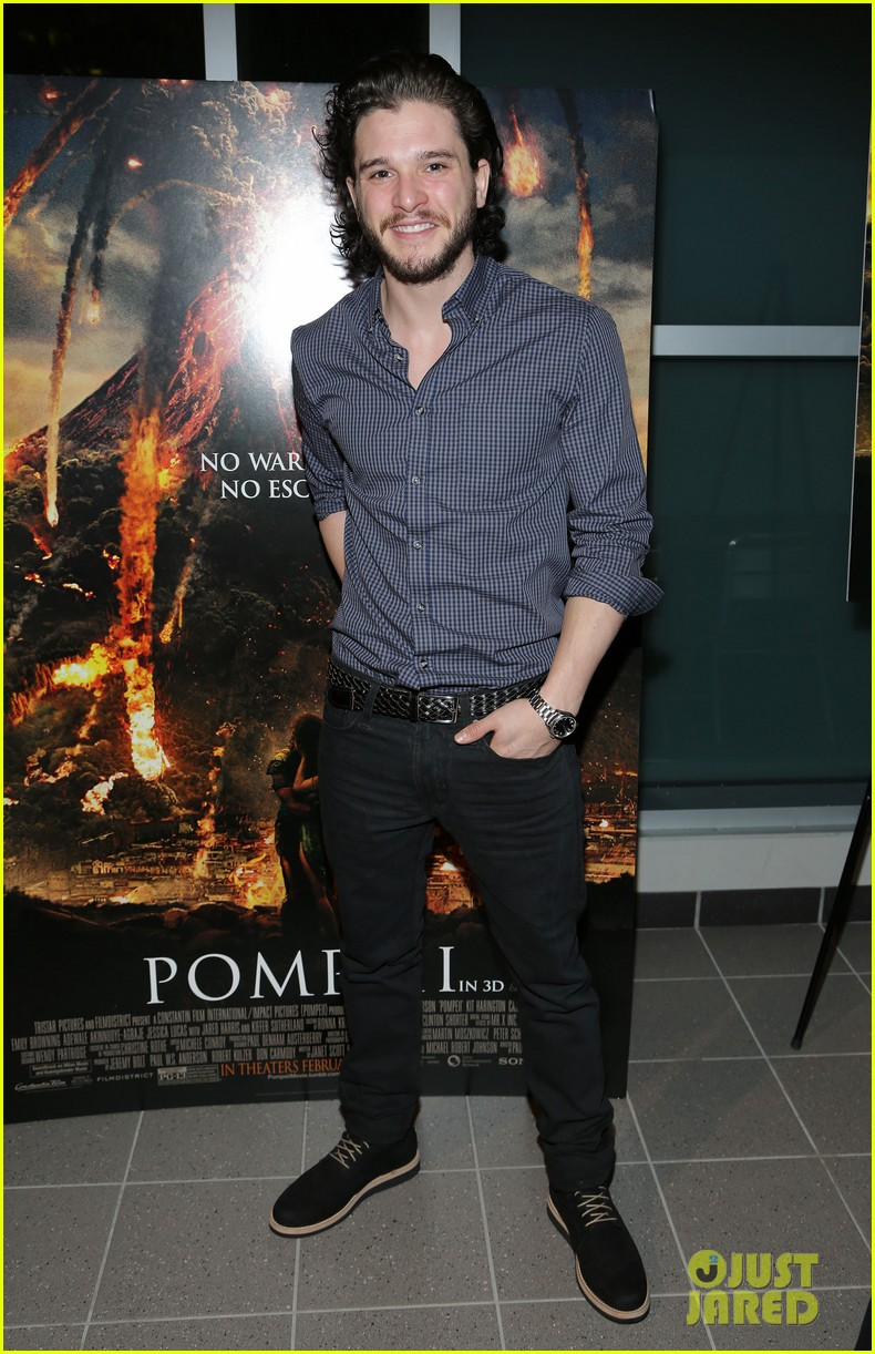 kit harington meets his fans at pompeii event in miami 053043939