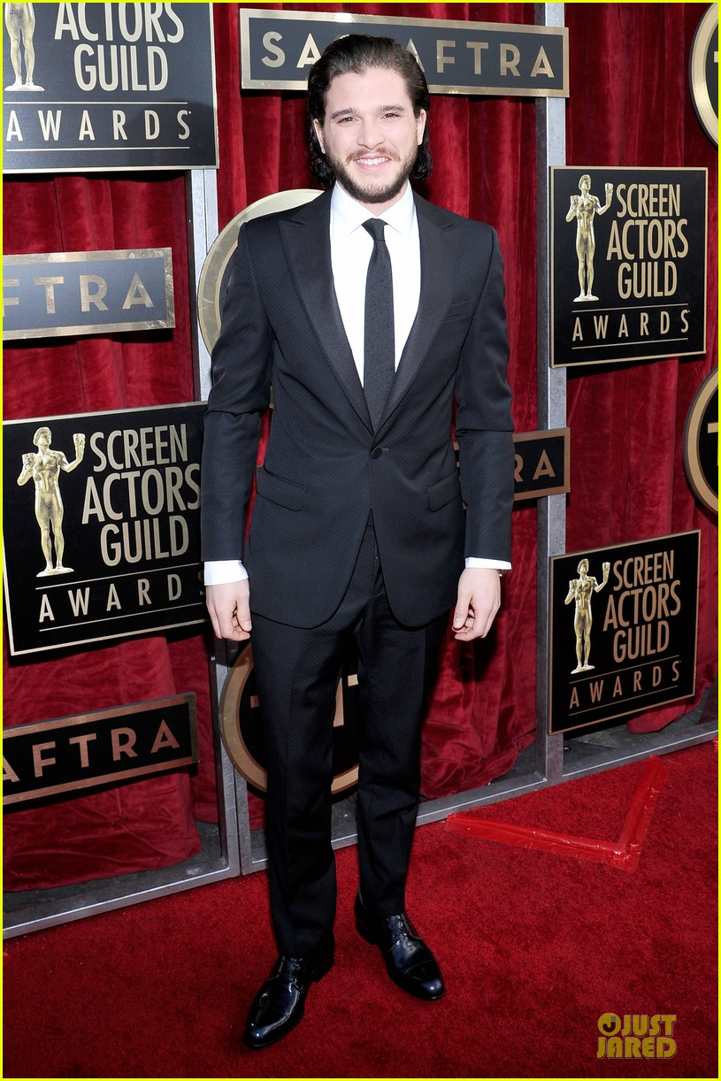 kit harington peter dinklage sag awards 2014 red carpet 01