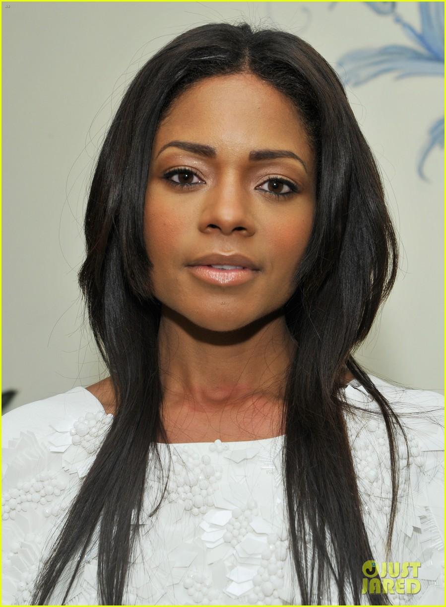 naomie harris idris elba mandela at pre golden globes bash 043026820