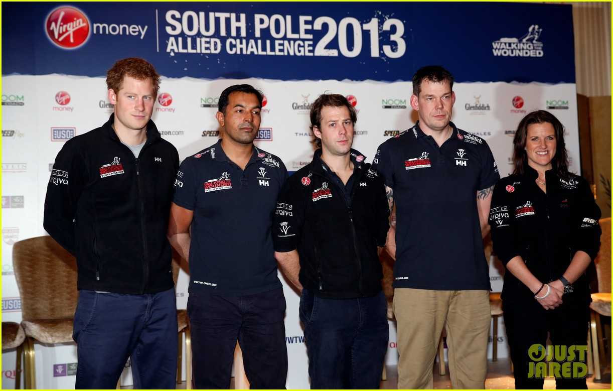 prince harry debuts freshly shaved face at south pole press conference 033037045