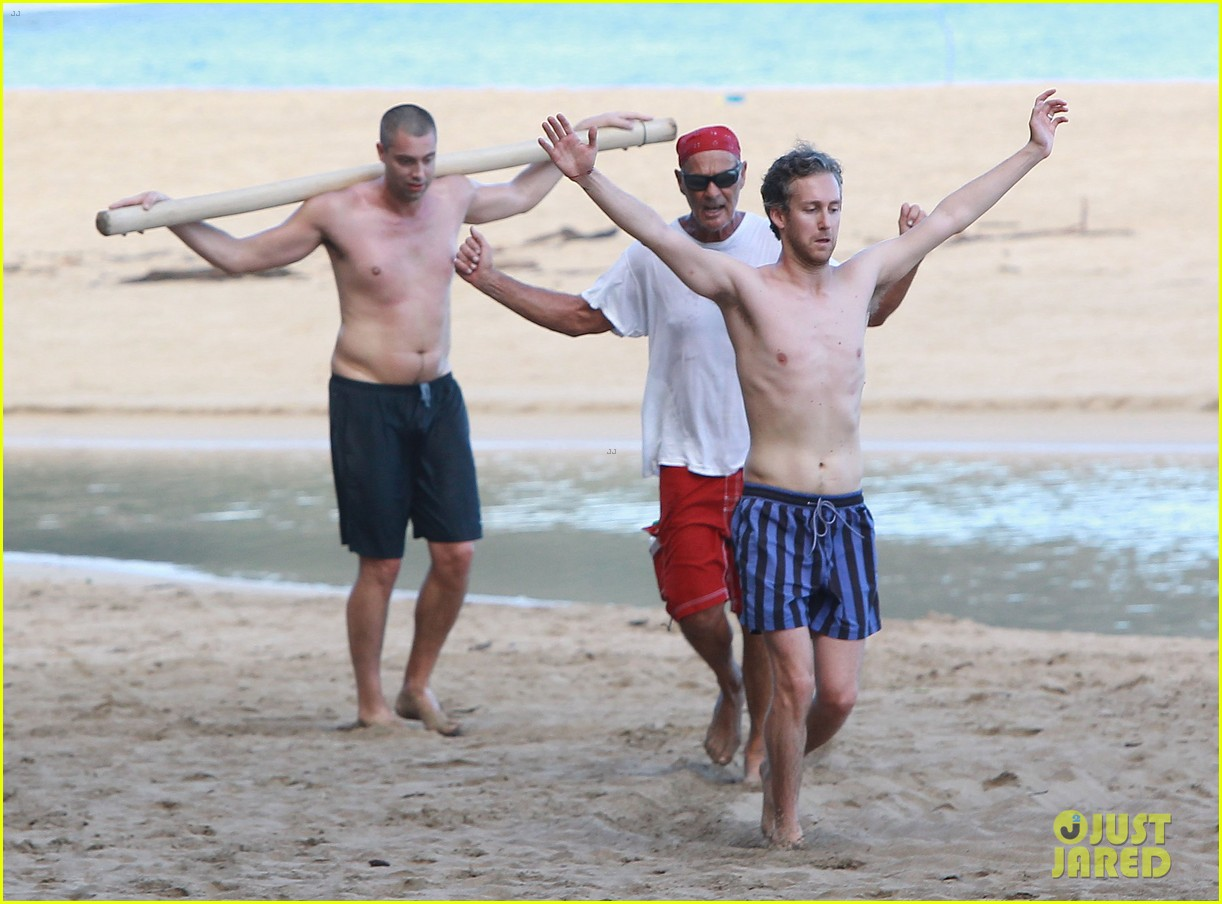 anne hathaway beachtime bliss with shirtless adam shulman 183026599