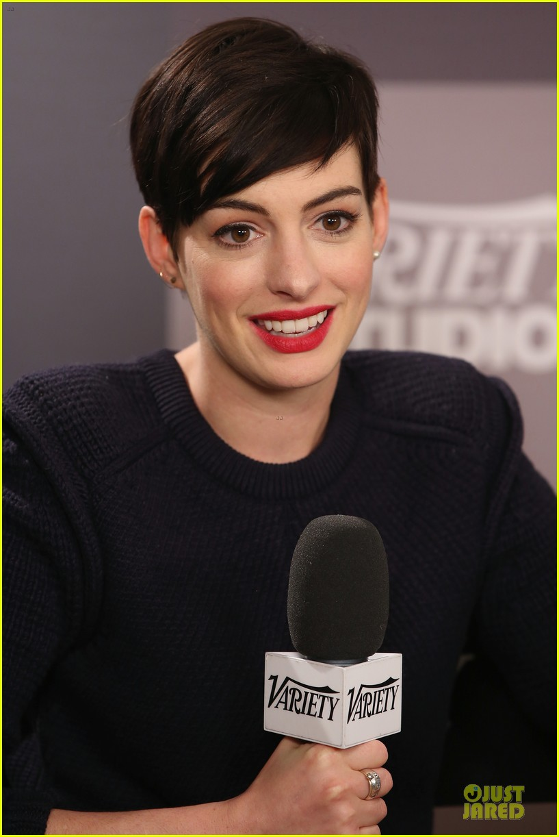 anne hathaway near drowning stories were false 023037438