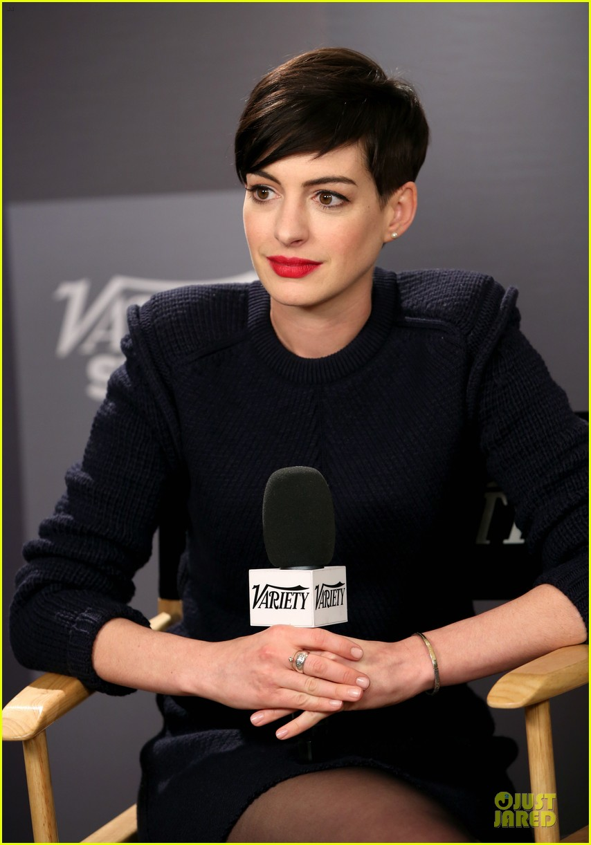 Anne Hathaway Near Drowning Stories Were False Photo 3037440 2014 Sundance Film Festival Anne Hathaway Pictures Just Jared