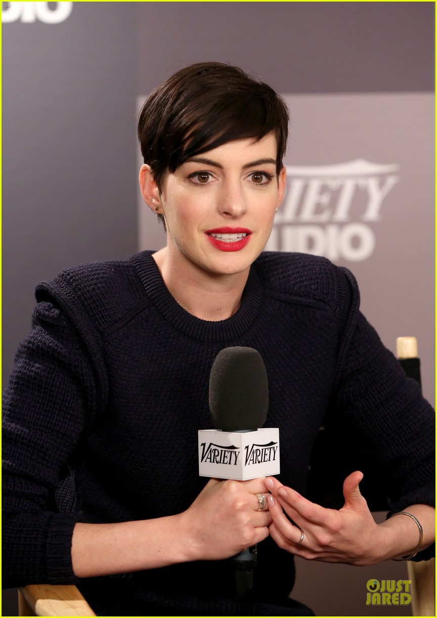 Anne Hathaway Near Drowning Stories Were False Photo 3037450 2014 Sundance Film Festival Anne Hathaway Pictures Just Jared