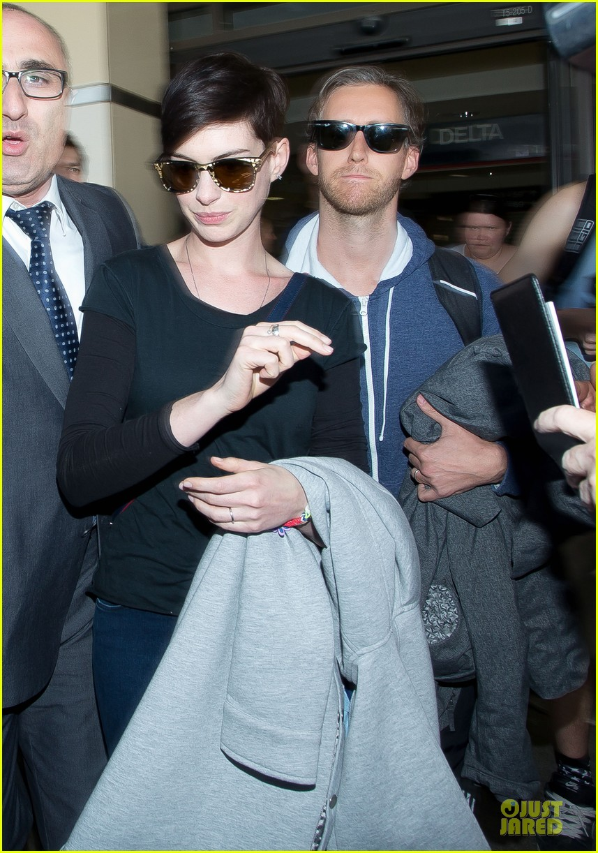 anne hathaway adam shulman the one i love after party 033038076