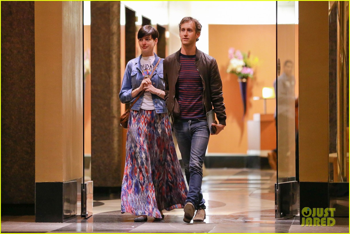anne hathaway left silver linings playbook role over creative differences 023032487