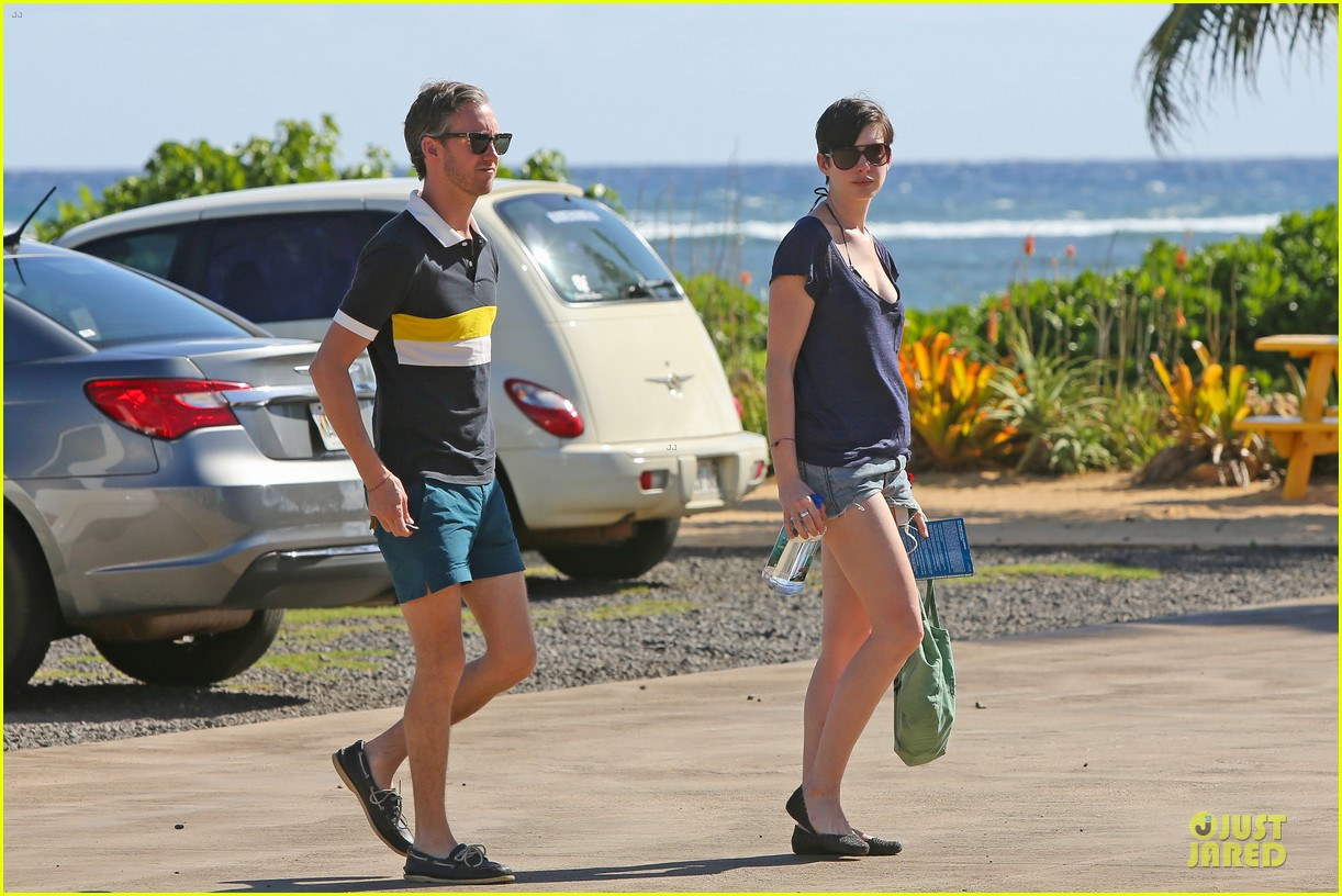 anne hathaway song one set for sundance premiere 16