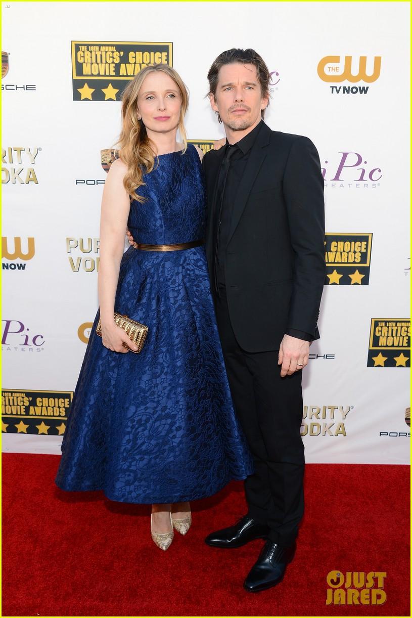 ethan hawke julie delpy win at critics choice awards 2014 053033129