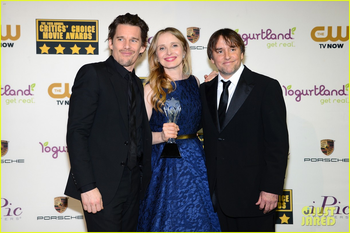 ethan hawke julie delpy win at critics choice awards 2014 093033133
