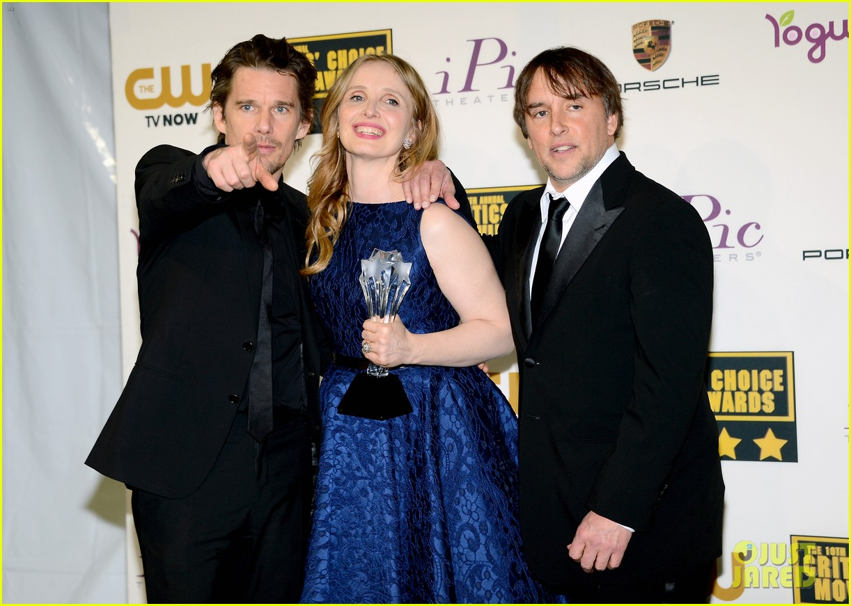 ethan hawke julie delpy win at critics choice awards 2014 113033135