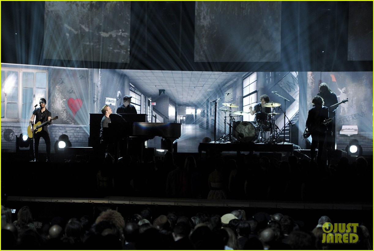 hunter hayes debuts invisible during grammys 2014 video 023041265