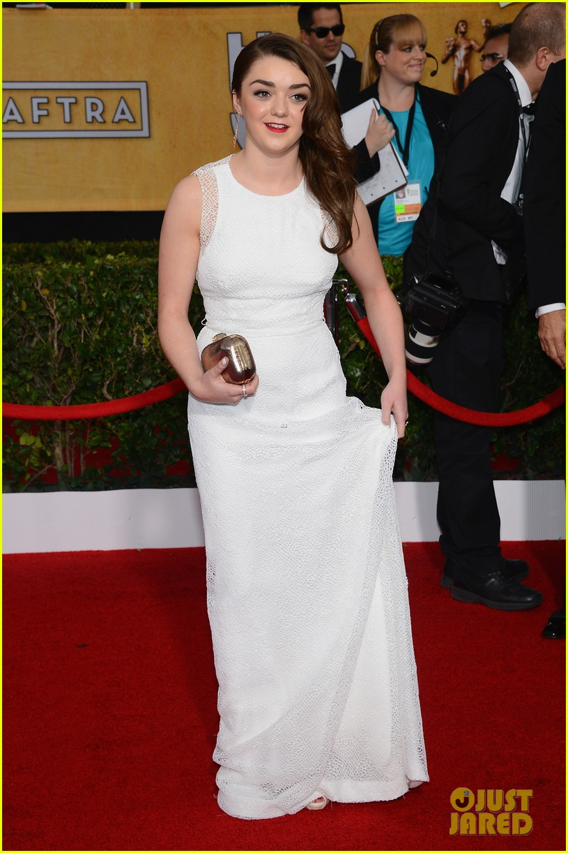 lena headey sophie turner sag awards 2014 red carpet 093034974