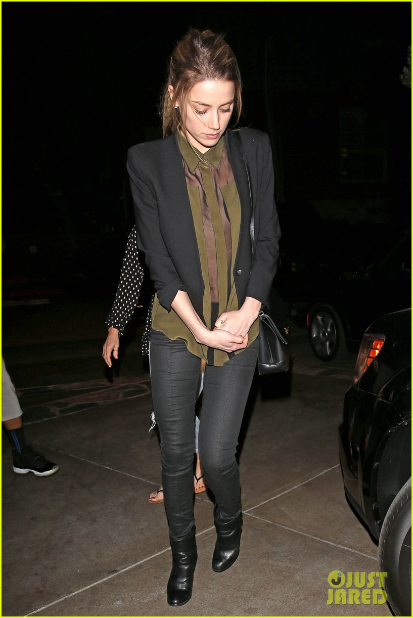 amber heard dines out after golden globes 013031084