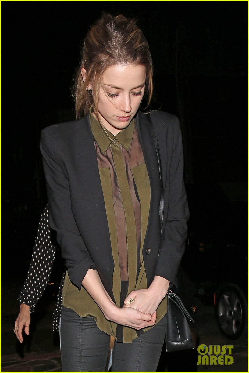 amber heard dines out after golden globes 023031085