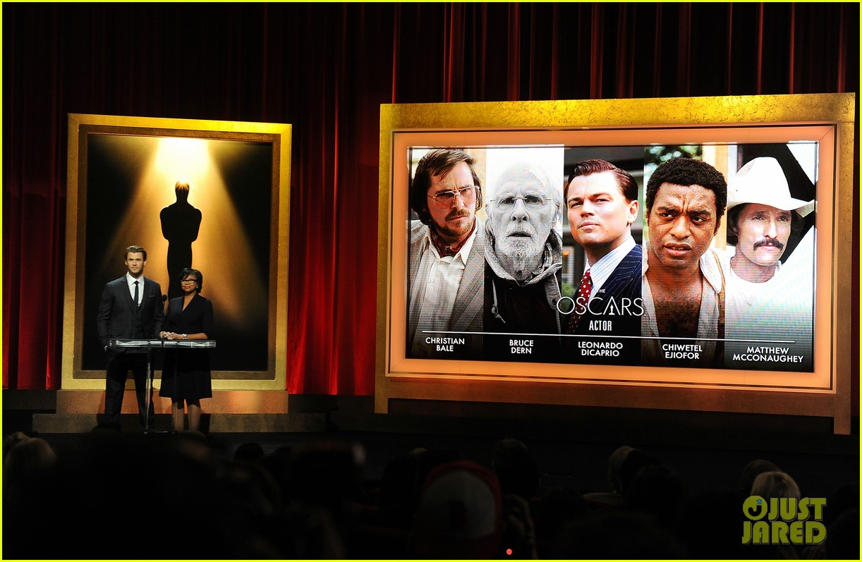 chris hemsworth announces oscar nominations 2014 06
