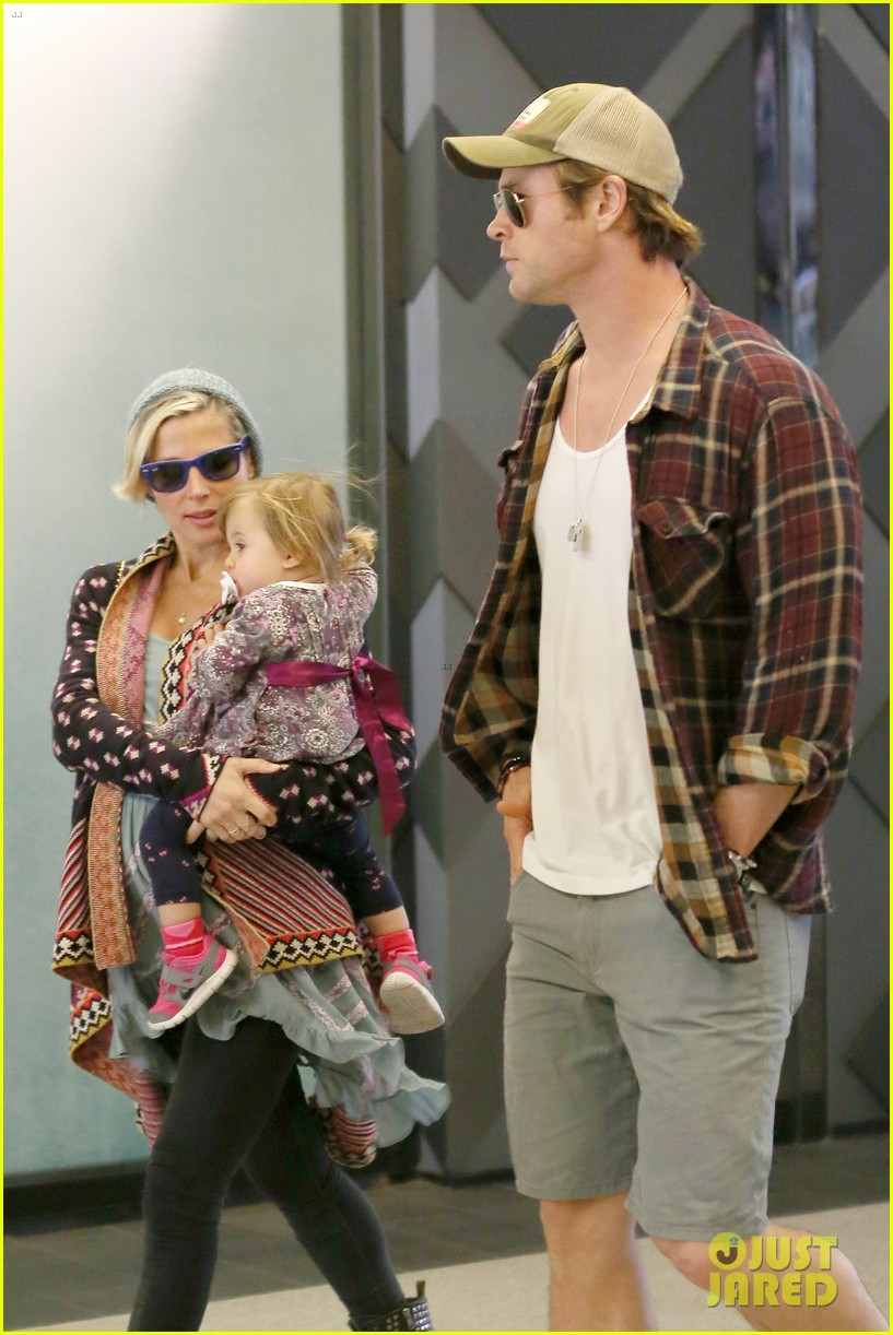 chris hemsworth true food lunch with elsa pataky india 143025917