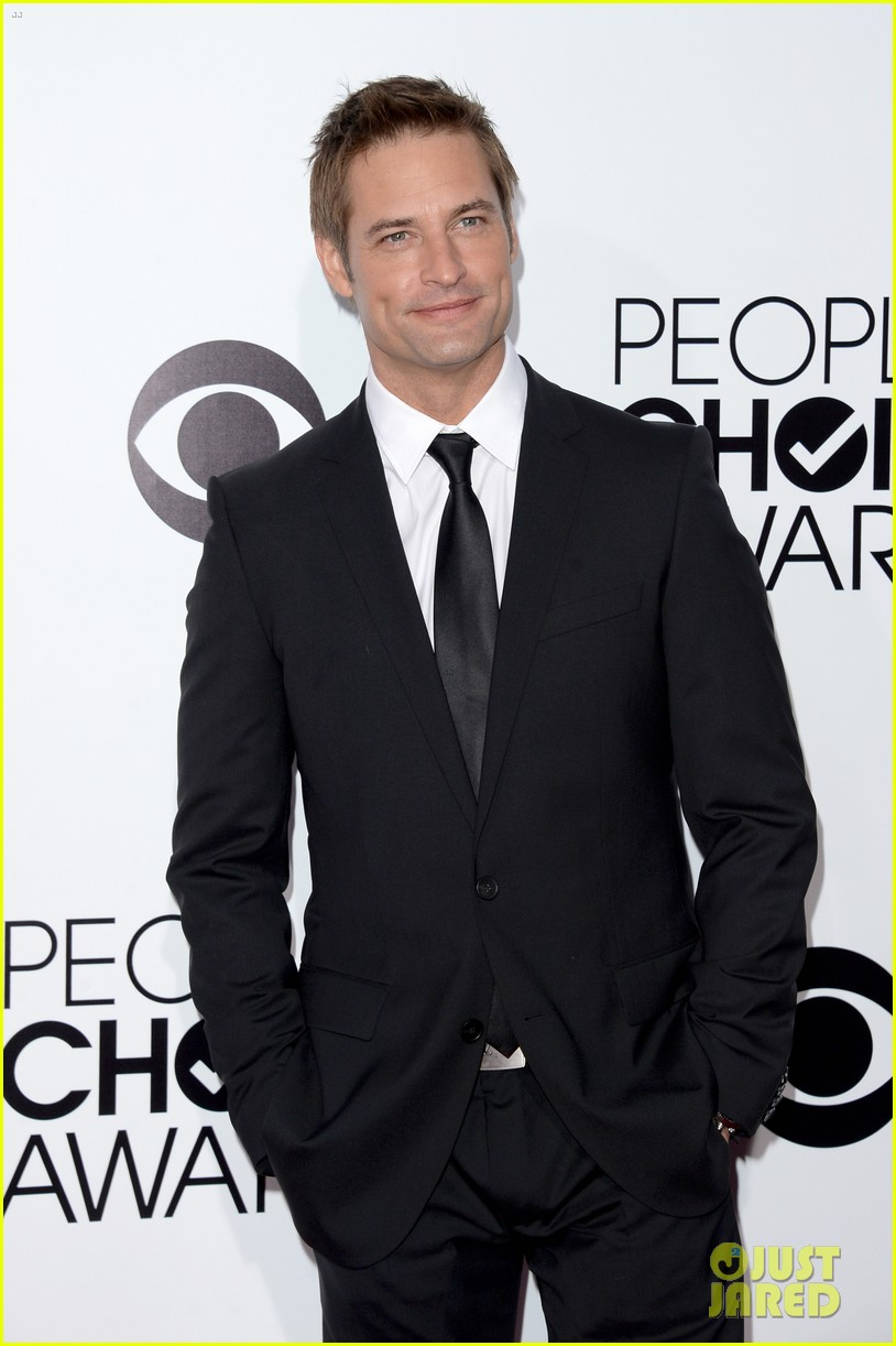 josh holloway peoples choice awards 2014 presenter 103025882