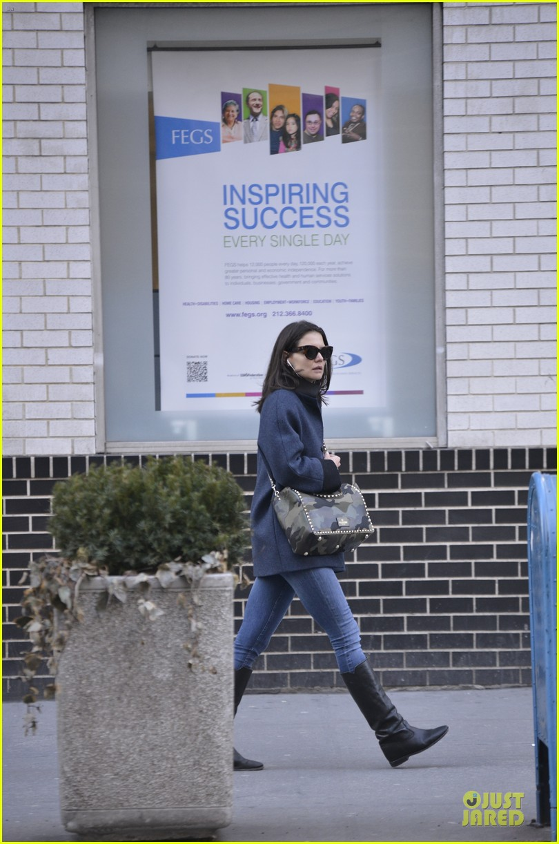 katie holmes raves on zachary quinto glass menagerie 06